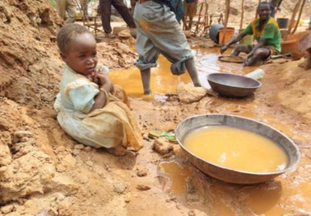 2013年アフリカタンザニアの金採掘現場