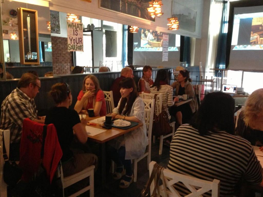 ヘルシンキのロケ地の食堂Kahvila Suomiにて開催した『かもめ食堂』のワークショップ