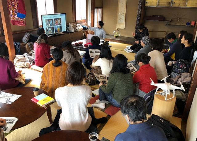 古民家カフェでのワークショップの様子(2019年撮影)